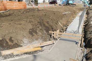 住宅 工事現場 外構工事 イメージ 玄関へのアプローチ コンクリート打ち
