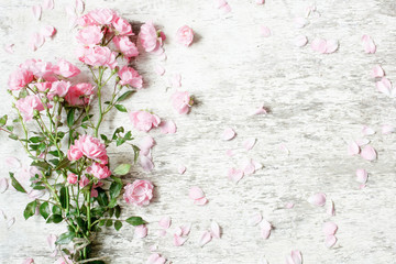 pink rose flowers bouquet mockup on white rustic wooden background