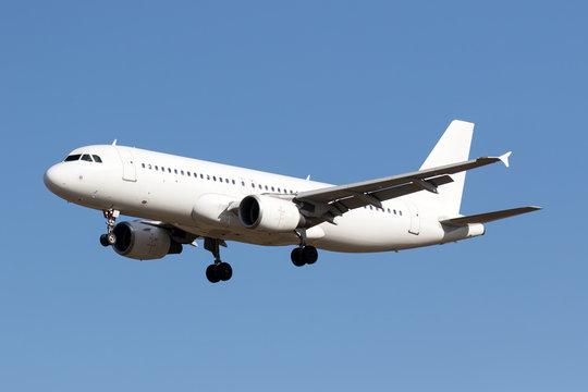 White airplane 2 (Airbus A320)