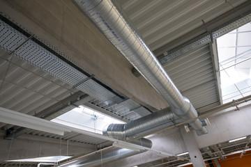 Industrie Rohre für Klimanalage im Gebäude