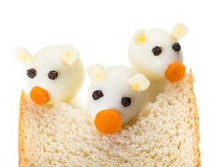 Three Little Pigs from quail eggs