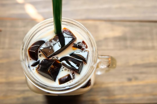 milk with coffee jelly on top veiw