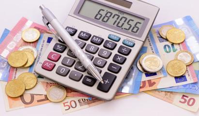 Euro Bargeld mit Taschenrechner