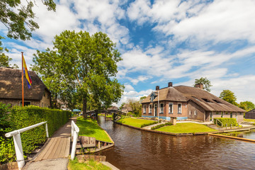Farm houses in the ancient Dutch village of Giethoorn