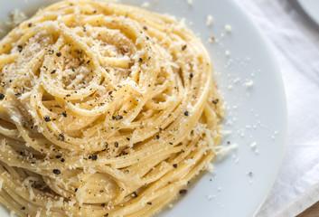 Cacio e Pepe - spaghetti with cheese and pepper Fototapete
