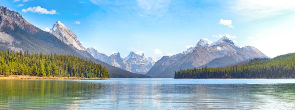 Maligne Lake panorama in Jasper national park, Alberta, Canada