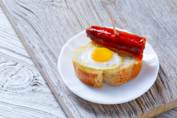 pinchos pintxos chistorra with quail egg tapas