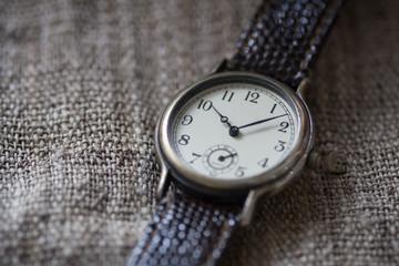 アンティークの腕時計