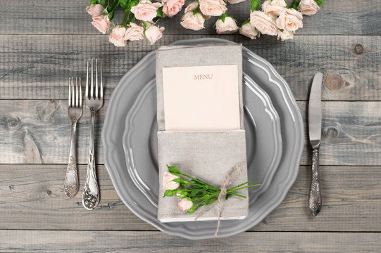Table setting in gray