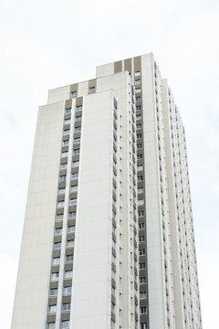 immeuble logement habitation tour appartement bloc cité barre quartier ville urbanisation construction hlm