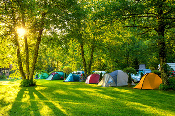 Photo sur Plexiglas Camping Tents Camping area, early morning with sunshine