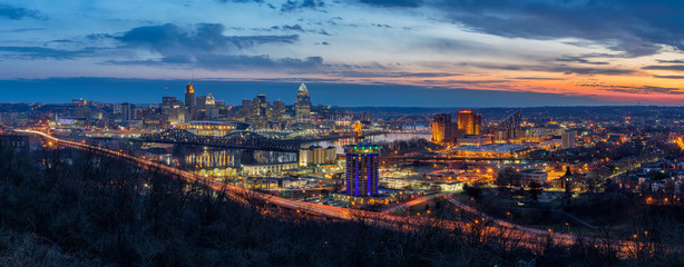 Twilight skyline, Cincinnati Ohio