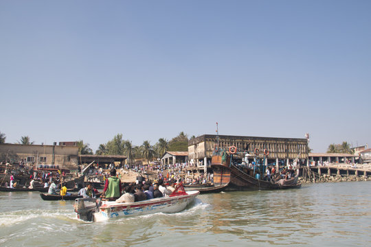 The harbor for boats in Cox's Bazar in Bangladesh