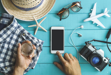 Traveler's accessories, items and cellphone