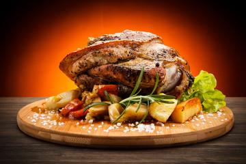 Roast knuckle on cutting board