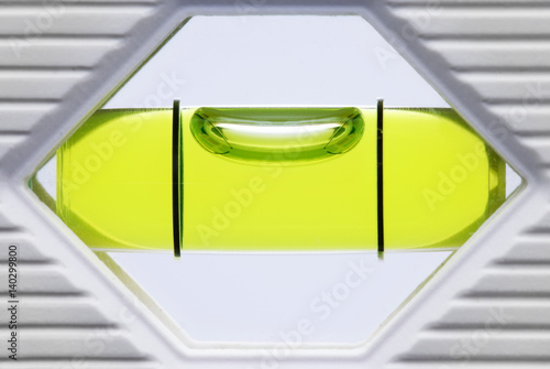 libelle einer wasserwaage stockfotos und lizenzfreie bilder auf bild 140299800. Black Bedroom Furniture Sets. Home Design Ideas