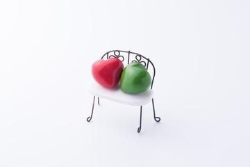 ベンチとハートの小物