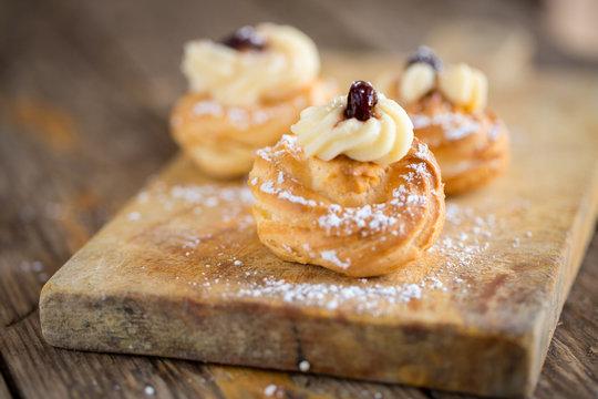 Zeppole pastry