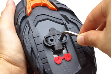 Installing a clipless cleat to a mountain bike cycling shoe