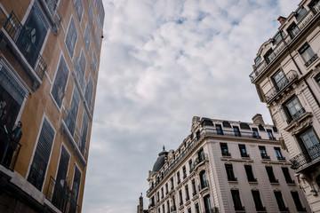 Immeubles et fresque à Lyon