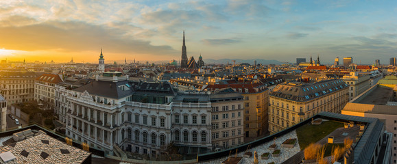 Poster Wenen Vienna skyline panorama at sunset