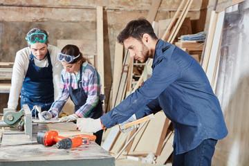 gmbh kaufen vertrag gmbh kaufen 34c Holzverarbeitung gesellschaft kaufen was ist zu beachten gmbh mantel kaufen vorteile