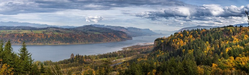 Columbia River Gorge in October