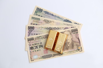 japanese money and gold bullion