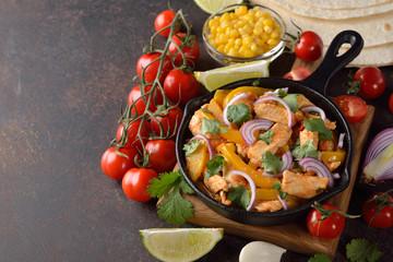 Fajita with chicken and yellow pepper