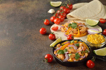 Fajita with chicken and yellow pepper