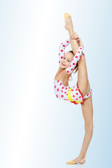 Gymnast does the splits