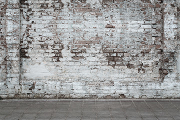 Photo sur Plexiglas Brick wall Urban background, white ruined industrial brick wall whith copy space