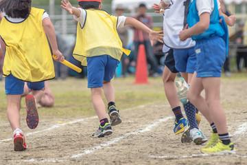 小学校の運動会風景