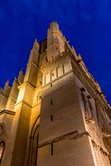 Cathédrale Saint-Jean-Baptiste de nuit à Lyon
