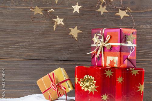 geschenke zu weihnachten stock photo and royalty free. Black Bedroom Furniture Sets. Home Design Ideas