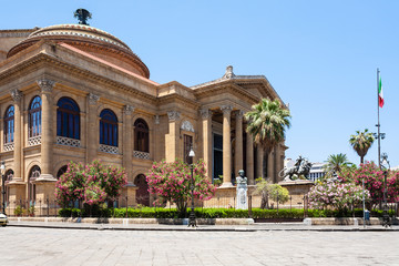 Zelfklevend Fotobehang Palermo Teatro Massimo Vittorio Emanuele in Palermo