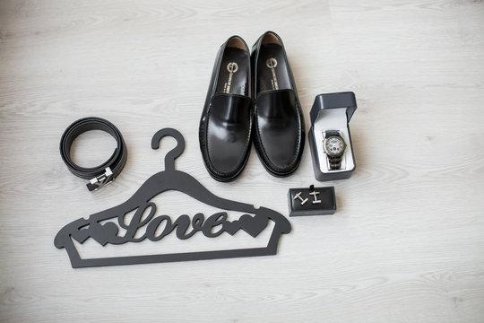 wedding accessories for a bridegroom