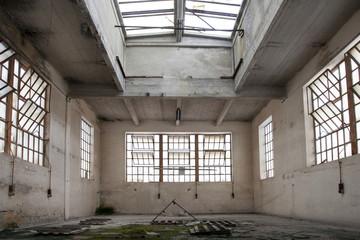 magazzino abbandonato