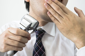 朝の髭剃り
