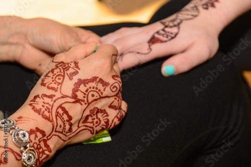 henna muster am arm - Henna Tattoo Muster