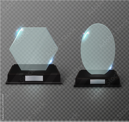 Blank glass trophy award on a transparent background  Glossy