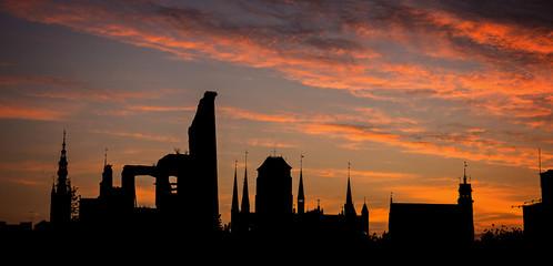 Ruiny w Gdańsku o zachodzie słońca