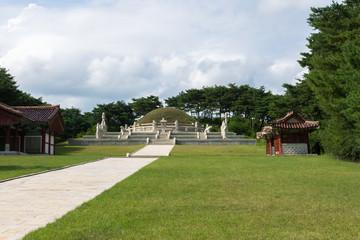 tomb of king Wang Gon