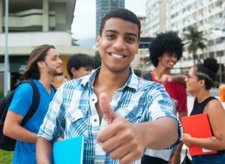 Junger Afrikaner hat Sprachkurs bestanden