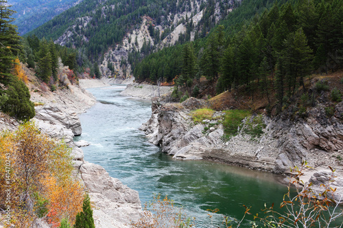 Wall mural Mountain River with Fall Colors, Snake River Idaho