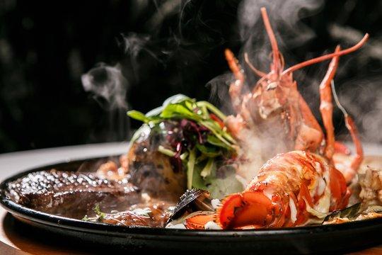 seafood steak with beef 소고기 해산물 스테이크