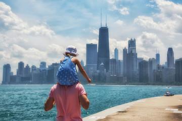 Printed roller blinds Chicago Little girl on the shoulders og her dad