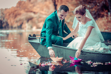 Wedding bride sea tropics groom boat rive