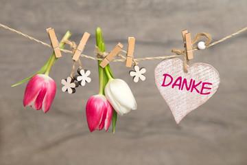 Tulpen und Herz: Danke