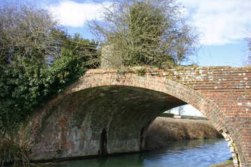 Kennet and Avon canal bridge